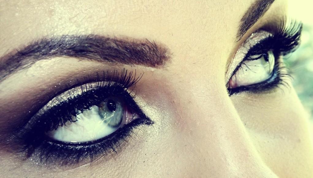 Jak pomalować oczy na ślub - rzęsy i brwi