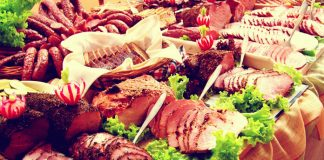 Wiejski stół na wesele - jedzenie, cena