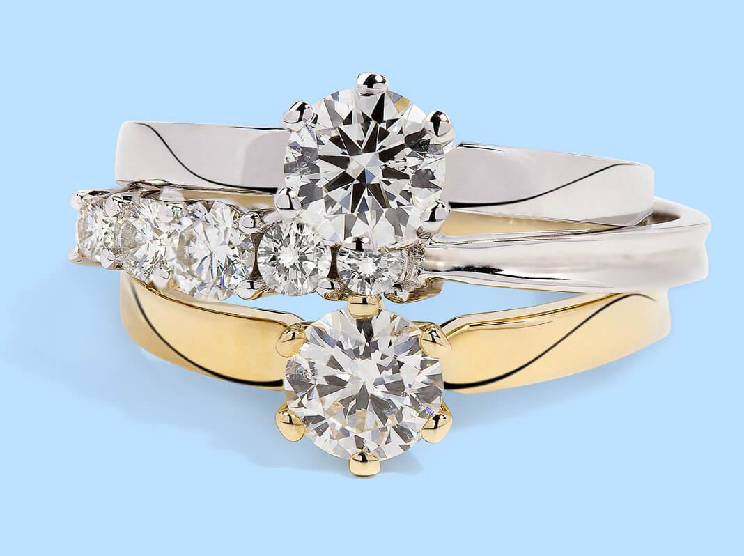 Pierścionki złote oraz z białego złota