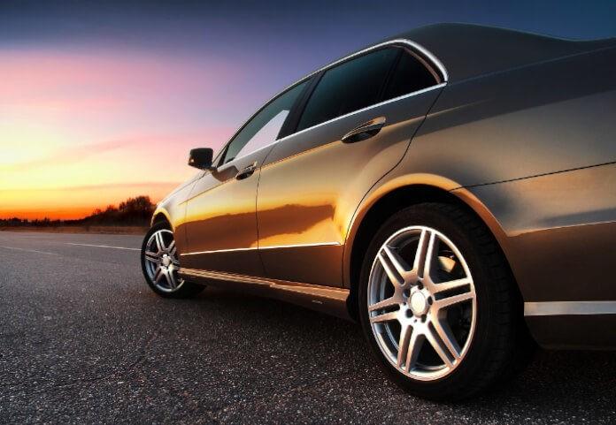 Ślub jak z bajki? Wypożycz luksusowy samochód!